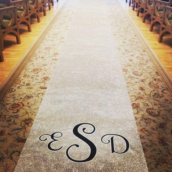 We're crushing on this new (glittery) aisle runner option!  #Disney #wedding #aislerunner #glitter