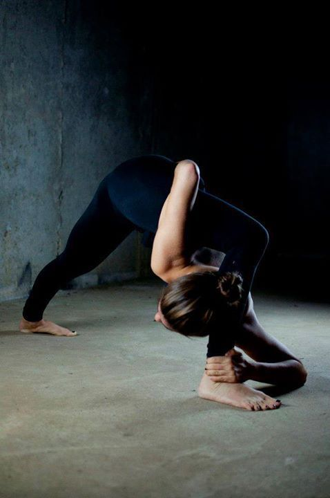 Yoga, Flexibility and Lunges on Pinterest