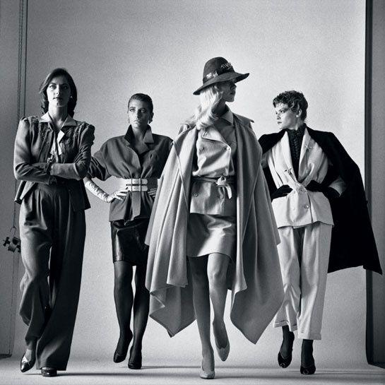 Sie Kommen (Elles arrivent), Vogue France, Paris, 1981 Photo © Helmut Newton Estate #fashion #photography #HelmutNewton