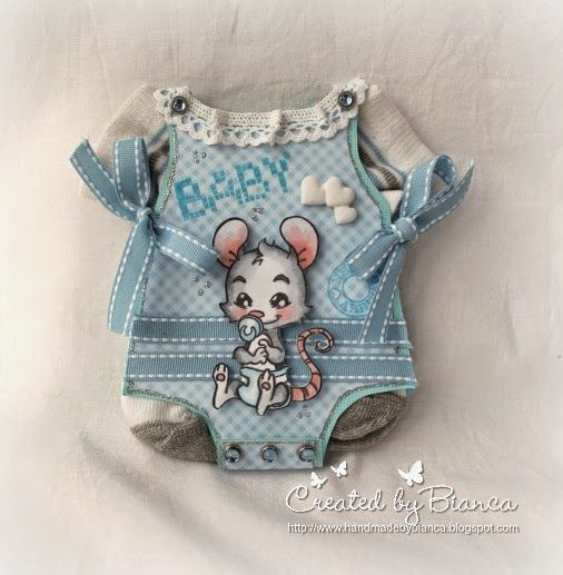 Stempeleinmaleins: Babybody Karte mit echten Söckchen / Baby onesie card with real little socks