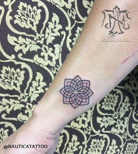 Tatuagem realizada pelo tatuador @kasper.tattoo ➡ Unidade : São Paulo | Roma . Contatos: telefone: (11) 45080688 whatsapp: (11) 942405032 email: nauticatattoosp@hotmail.com  Siga-nos também: ➡ @nauticatattoo ➡ @nauticatattooroma ➡ @alemdapeleweb  Rua: Professor João de Oliveira Torres Nº481 ZL-SP