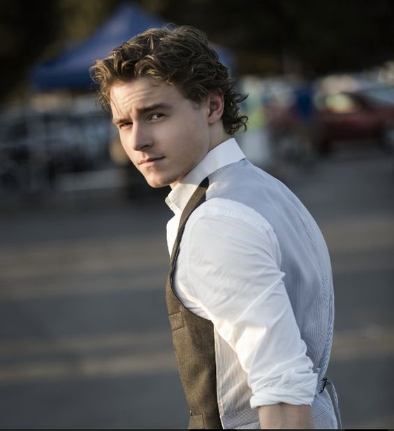 My man looking sexier than ever! <3 Callan McAuliffe