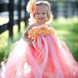 adorable flower girl.