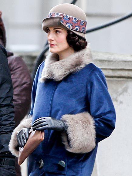 Michelle Dockery looks ever so posh as her alter ego Lady Mary Crawley while filmingDownton Abbeyin London on Monday.