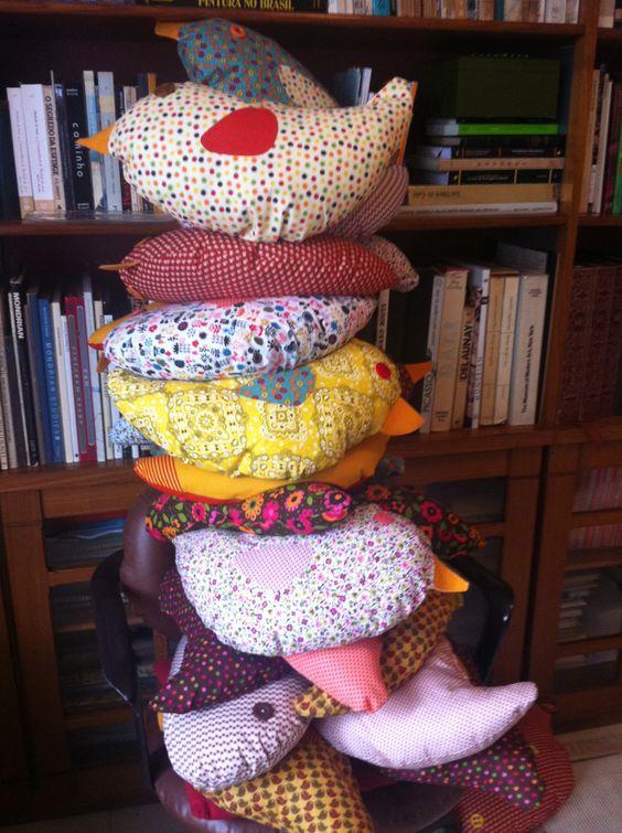 Almofadas de passarinhos