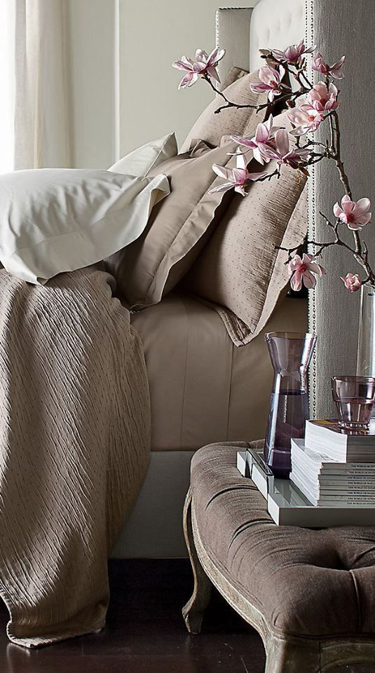 Je slaapkamer als hotel kamer interieur blog pinterest belle guest rooms and shabby chic - Taupe kamer linnen ...