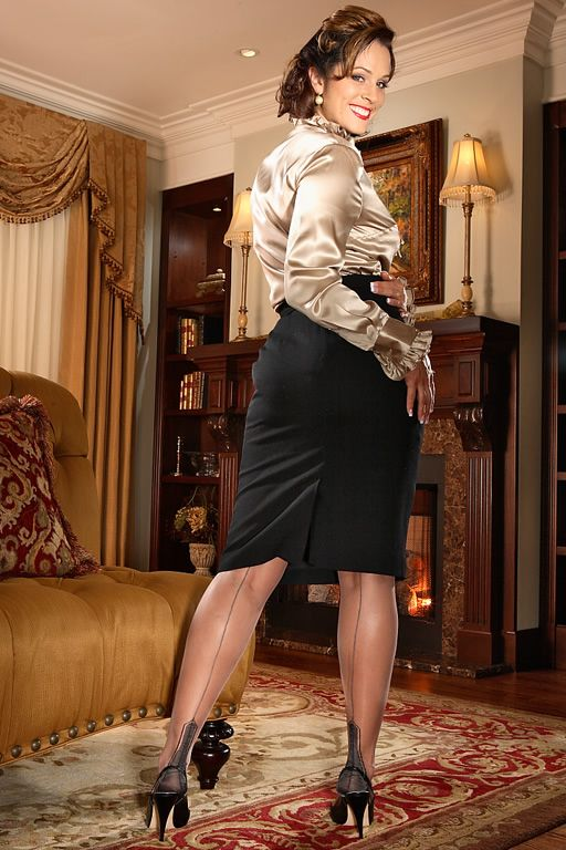 Mature Silk Stockings 75
