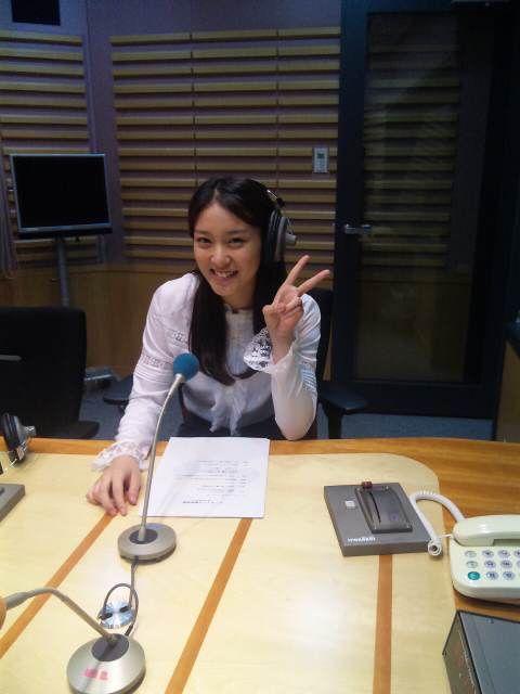 ラジオ収録中の武井咲