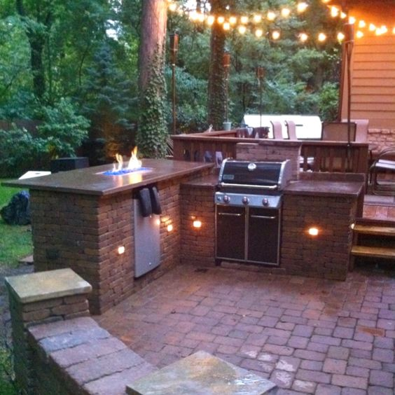 Diy outdoor fire bar and grill station favorite places for Balcony grill and bar