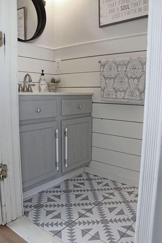 Bathroom Floor Tile Ideas For Small Bathrooms Small Bathroom Designs Small Bathroom Tiles Bathroom Interior Design Small Farmhouse Bathroom