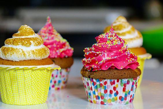 Cupcakes citron meringué avec Hervé Cuisine et AllyFantaisies