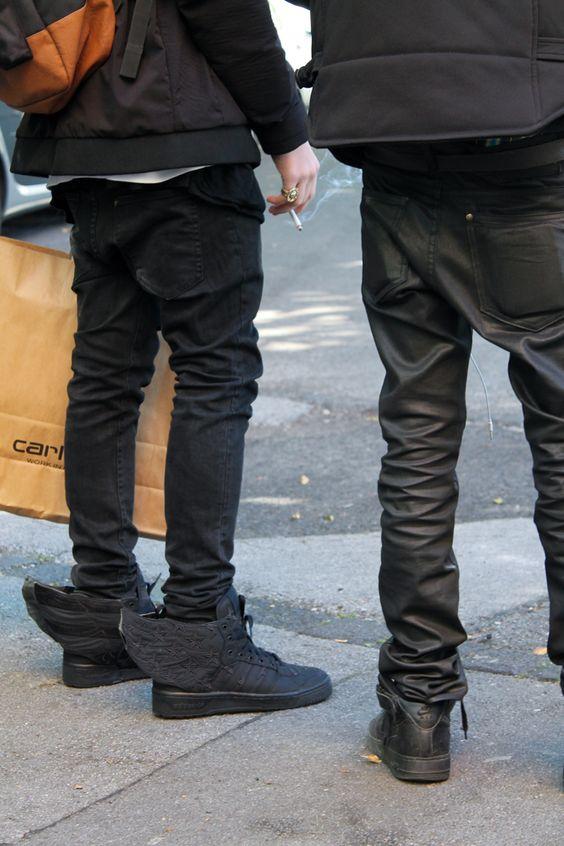 adidas jeremy scott wings black flag