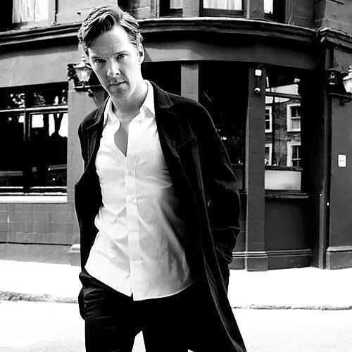 Such a nice picture of Benedict!! :)