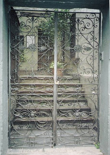 Antigua buenos aires and puertas on pinterest - Rejas hierro forjado ...