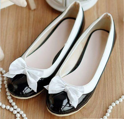 Chaussures ballerine noire avec noeud kawaii blanc