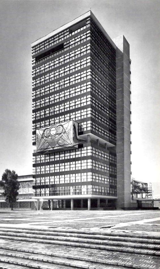 Edificio de rector a ciudad universitaria unam m xico for Blog mural do oeste