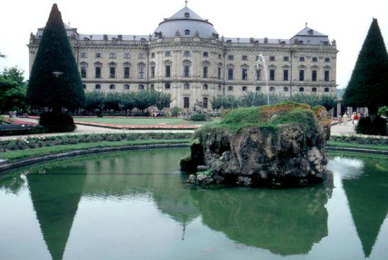 Alemania 03 Residencia de Wurzburgo, jardines de la corte y Plaza de la Residencia
