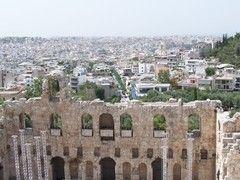 Grecia - Atene - vista di Atene  dall'acropoli attraverso il Teatro di Erode Attico