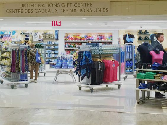 United Nations Gift Shop at the United Nations Visitor Centre in ...