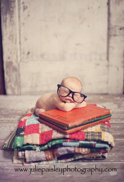 bookworm baby. Love the quilt in the photo:
