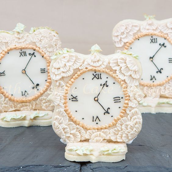 - Vintage wedding favor sugar cookies!