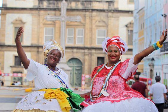 """O dia 26 de fevereiro é marcado pela tradicional Lavagem Cultural, promovida e festejada por funcionários e amigos da Fundação Cultural do Estado da Bahia (FUNCEB). Em sua 24ª edição, o evento começa com concentração em frente ao Palácio Rio Branco, na Rua Chile, a partir das 15 horas. Depois, um cortejo segue pela Rua...<br /><a class=""""more-link"""" href=""""https://catracalivre.com.br/salvador/agenda/gratis/tradicional-lavagem-cultura-chega-a-sua-24a-edicao-com-cortejo-e-shows/"""">Continue lendo…"""