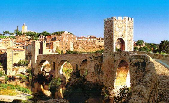 http://www.demotivateur.fr/entertainment/6-destinations-de-reve-pour-voyager-tout-en-decouvrant-les-lieux-de-tournage-de-game-of-thrones--5262