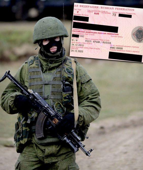 Zwei sichergestellte, russische Pässe belegen: Drei Monate vor der offiziellen Annexion wird die Krim als russisch bezeichnet. ▼ ✂ 1