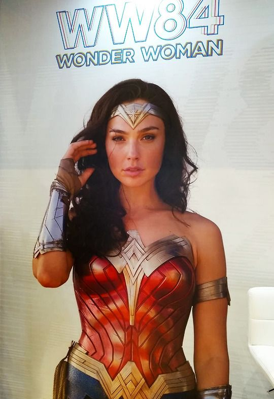 Film Tv New Promo Image For Wonder Woman 1984 From Expo Licensing Brazil Justice League Wonder Woman Gal Gadot Wonder Woman Wonder Woman
