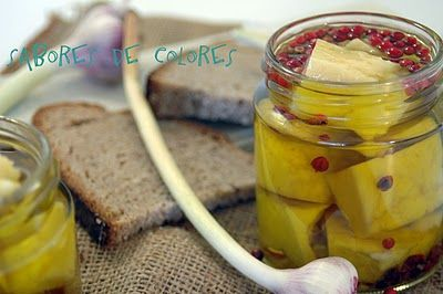 Sabores de colores: Queso en aceite aromatizado