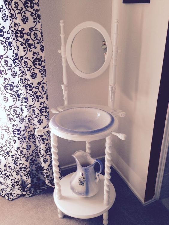 Wash stand mirror and antiques on pinterest for Wash basin mirror price