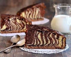 Quatre-quart marbré au cacao (facile, rapide) - Une recette CuisineAZ