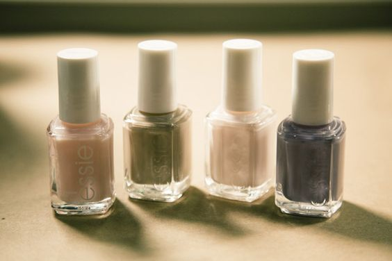 tones and neutral #mirabellabeauty #neutral #essie #nails