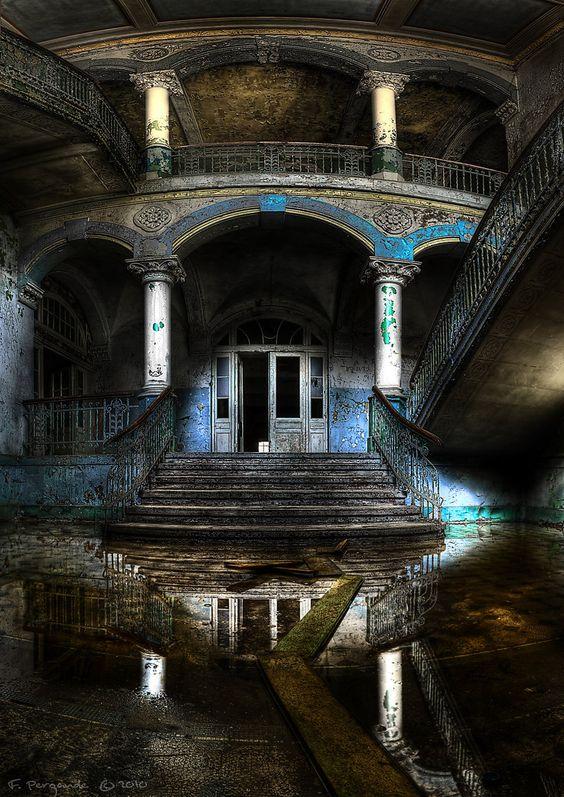 "fineartwomen: "" colorel11: "" © Phoelixde Beelitz "" #art #beautiful #figure…"