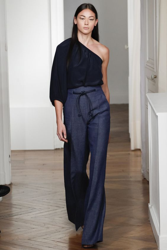 Martin Grant Spring 2016 Ready-to-Wear Fashion Show: