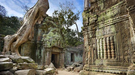 Gian chính điện của ngôi đền
