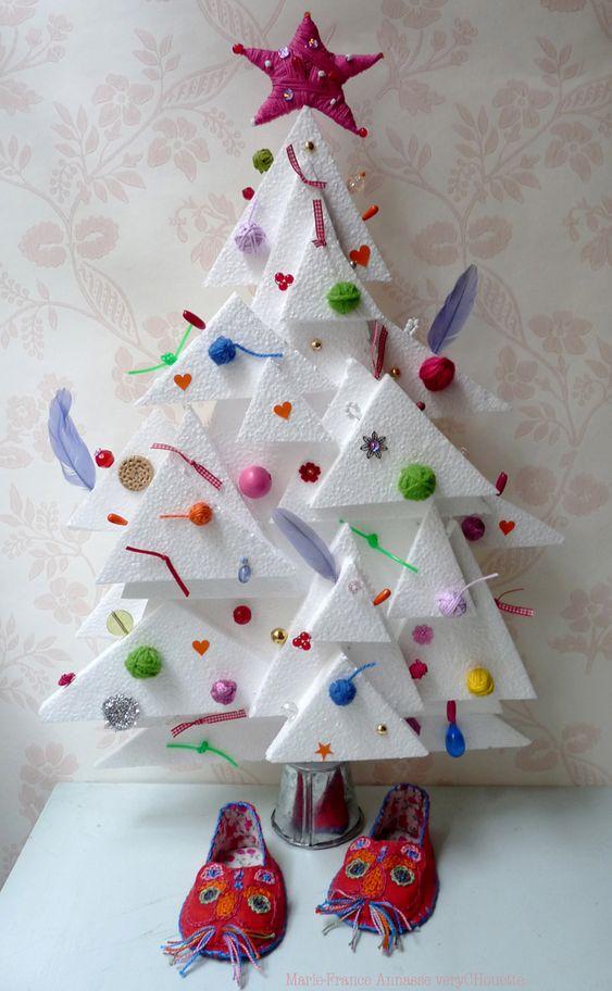 Sapin de no l recycl en polystyr ne christmas decor - Sapin de noel haut et fin ...