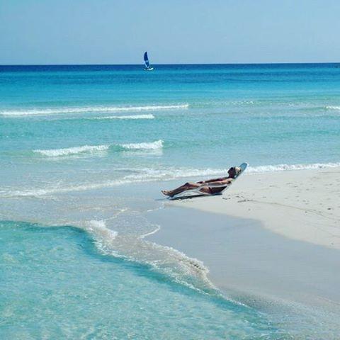 Varadero Cuba  #lifeisbeautiful  #beach #reise #relax #life #magasinetreiselyst #moments #travel #traveladdict #traveltheworld #travelphotography #Cuba #varadero #caribbean #caribbeanocean #bluesea #photo #momentslikethis by yvonne.travelholic