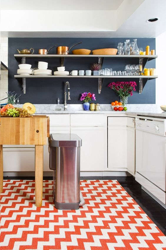 Let's be honest: we could all use a little help in the kitchen, especially if it means saving time. With all the joy that the kitchen brings, it seems that we're spending more time cleaning, organizing, and searching, than we are nomming. We should all change that. Here are 3 of our favorite time-saving kitchen tricks of the trade.