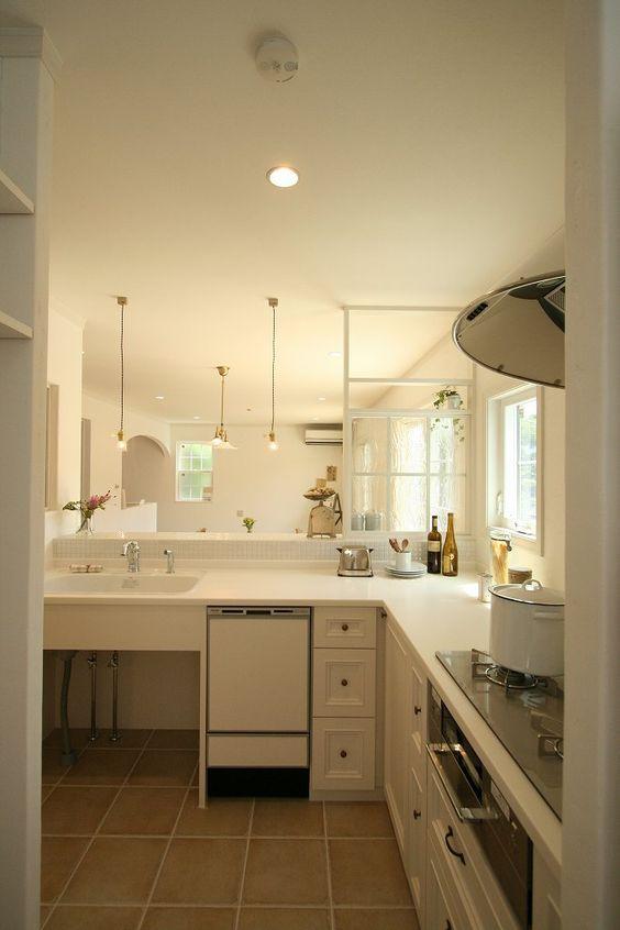 造作キッチン フレンチ こだわり 取っ手 框 扉 おしゃれ 実例