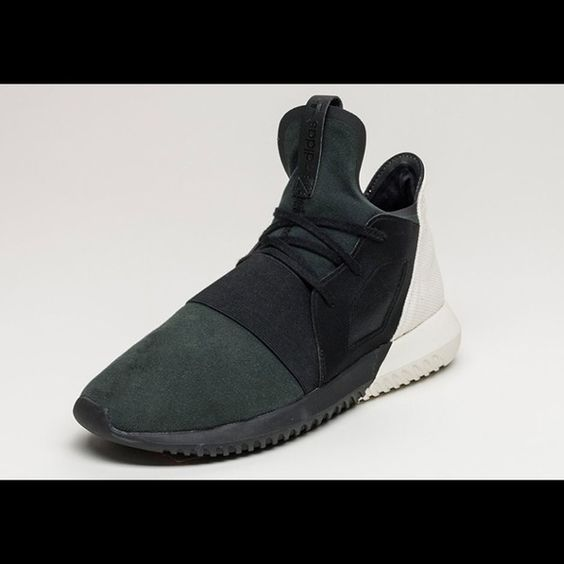 Adidas Tubular Black Size 8