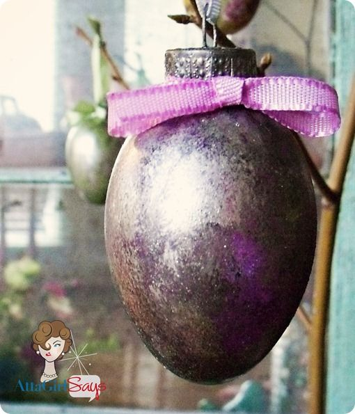 Mercury glass Easter eggs! A great DIY!