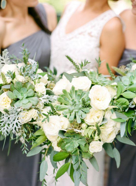 Photography : Dana Fernandez Photography   Floral Design : Flower Power Productions Read More on SMP: http://www.stylemepretty.com/little-black-book-blog/2015/12/28/elegant-antique-art-bar-wedding/
