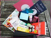 Kosmetik und co, alles was Frau so liebt :-): Die August Pink Box kam an :-)
