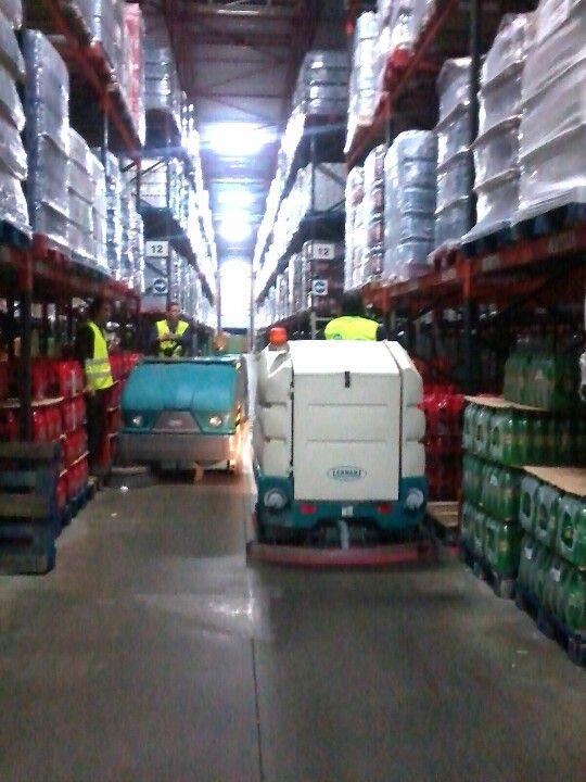 Barredora Tennant S20 y fregadora Tennant 7300 en centro logístico Intermarche de Alcanena (Portugal)