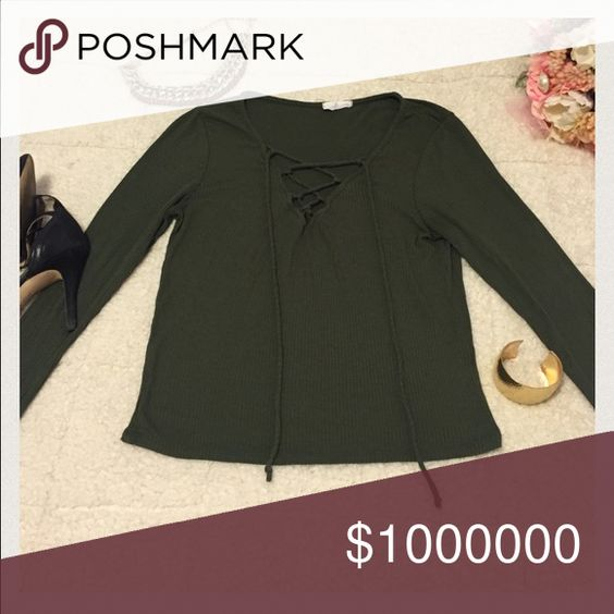 Green long sleeve blouse! Green long sleeve blouse! Gently used. Make an offer!😃🙋🏻 Tops Blouses