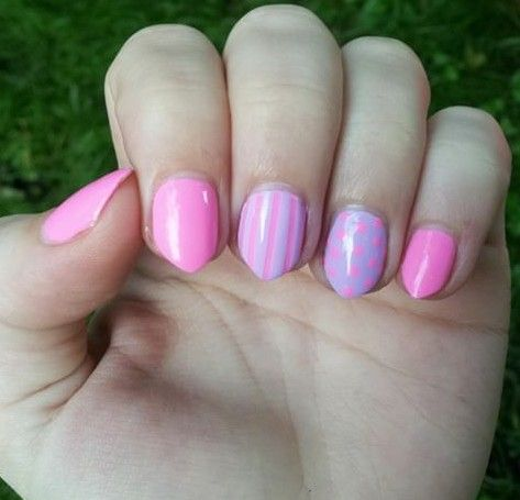 Cute nails in lilac and pink