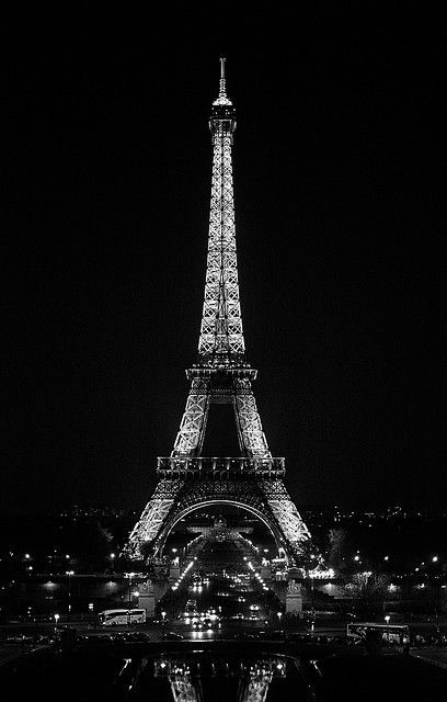 Pin By Hafsa Boutbila On Beautiful Places Paris Black And White Black And White Picture Wall Black And White Photo Wall Black wallpaper iphone eiffel tower