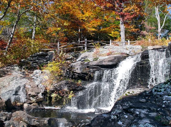 27 Photos That Prove New England Has The Best Fall Foliage In The World