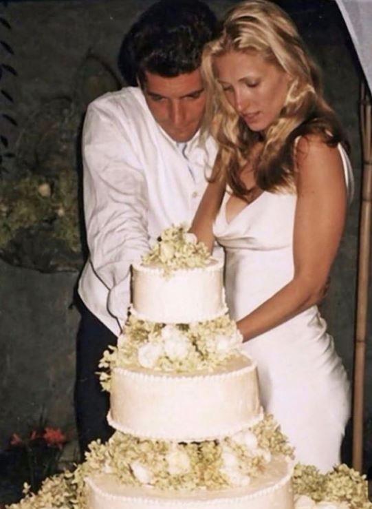33++ Carolyn bessette wedding dress info